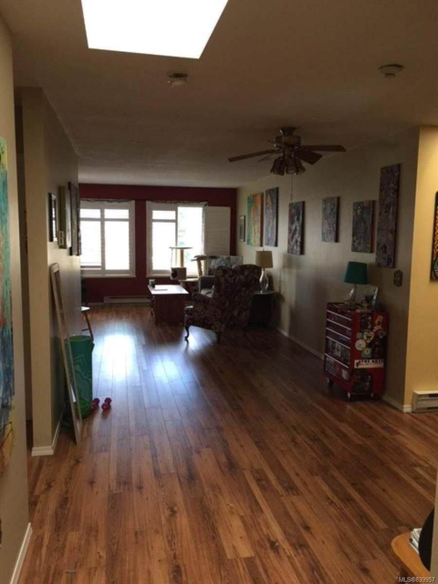 2720 Cliffe Ave - Photo 1