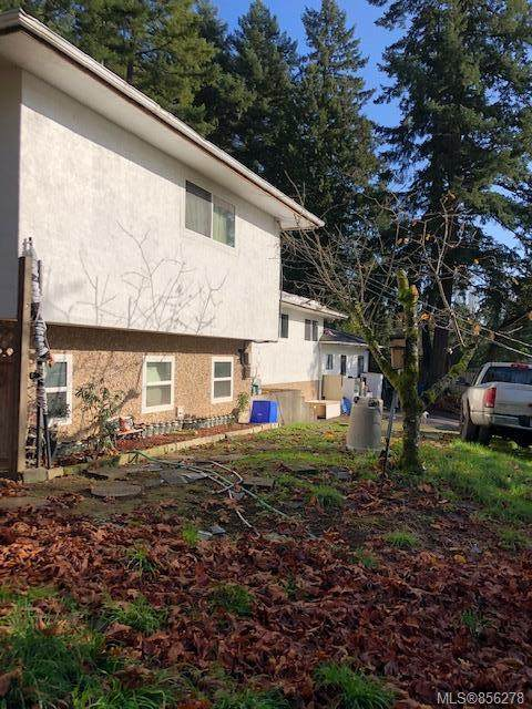 4997 West Saanich Rd, Saanich, BC V9E 2E6 (MLS #856278) :: Day Team Realty