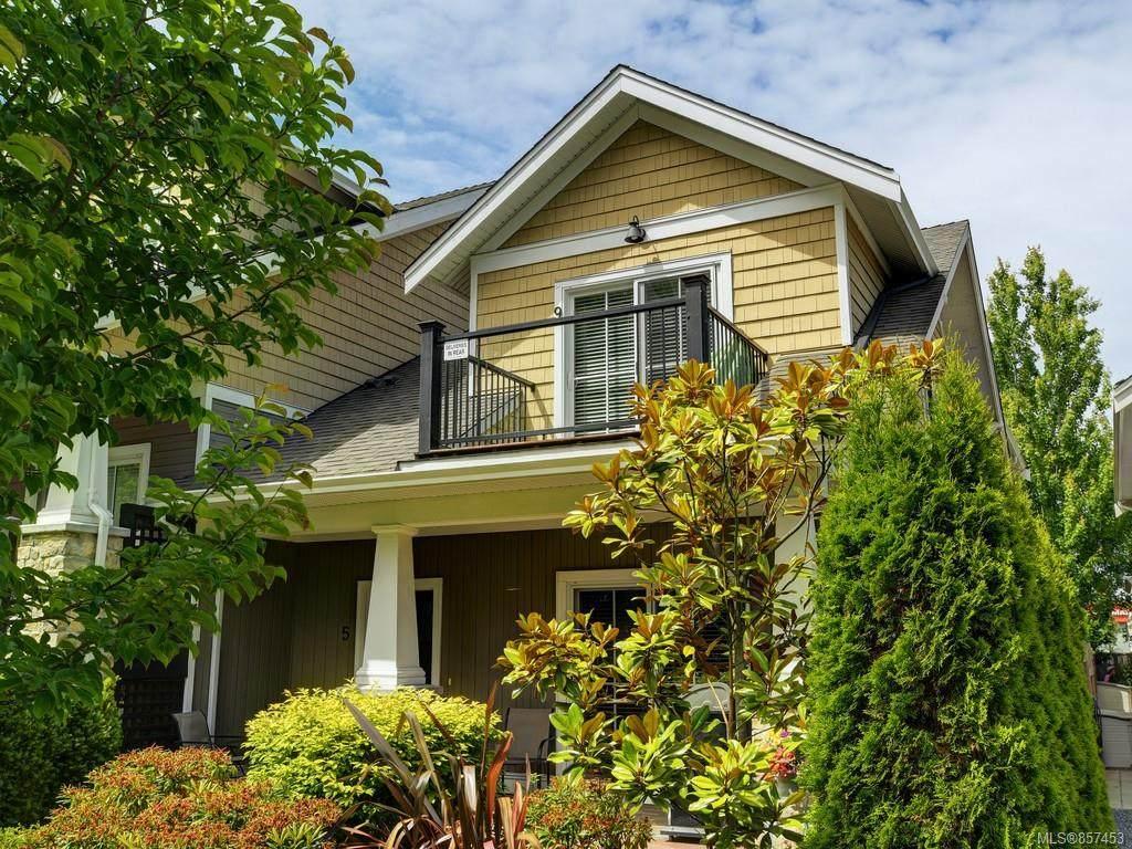 2320 Oakville Ave - Photo 1