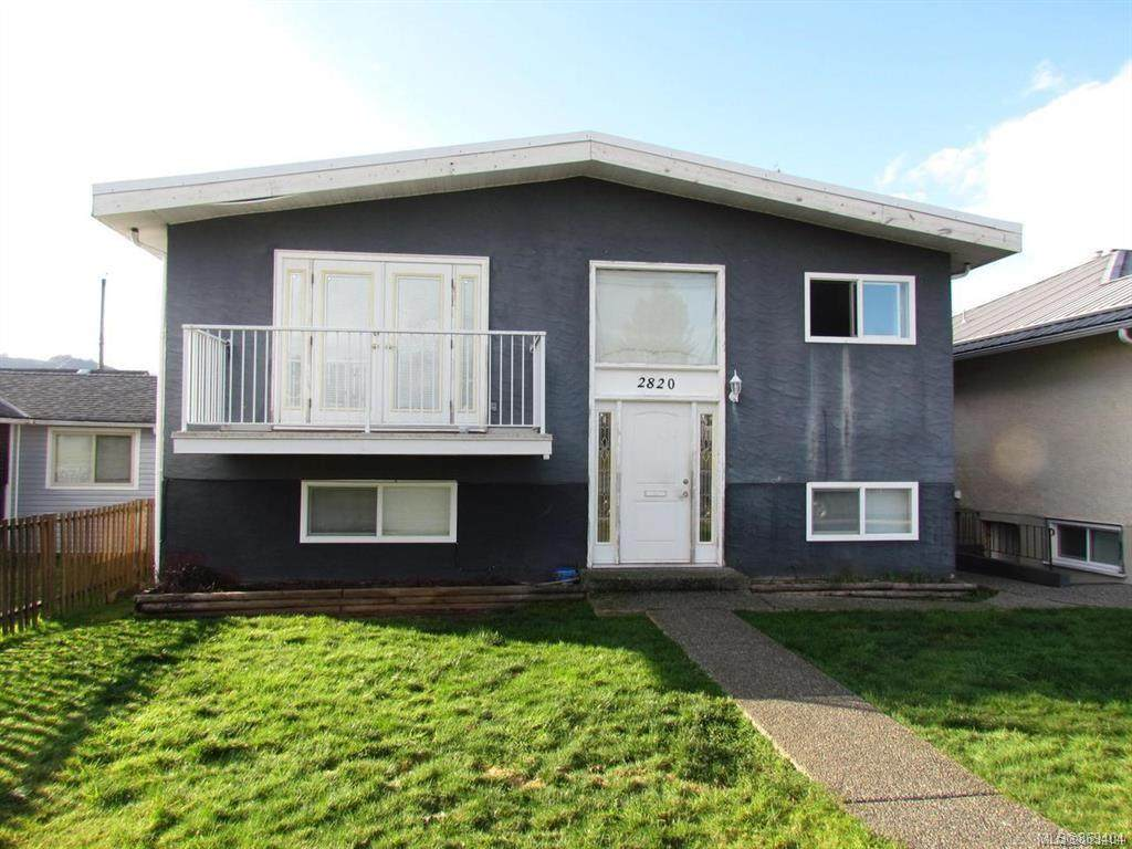 2820 10th Ave - Photo 1