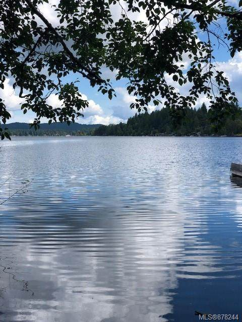 2 Mable Rd, Shawnigan Lake, BC V0R 2W3 (MLS #878244) :: Pinnacle Homes Group
