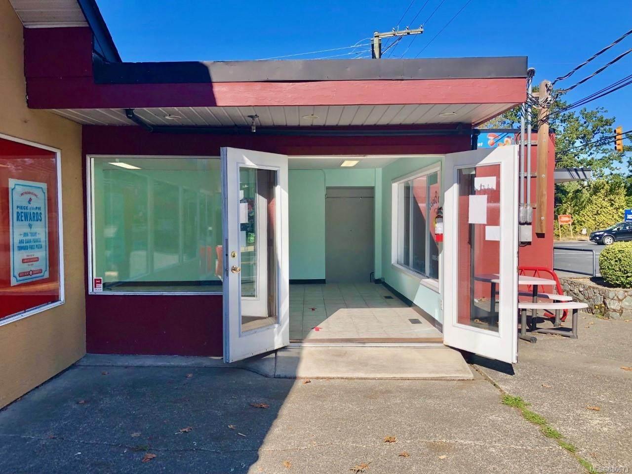 4592 West Saanich Rd - Photo 1