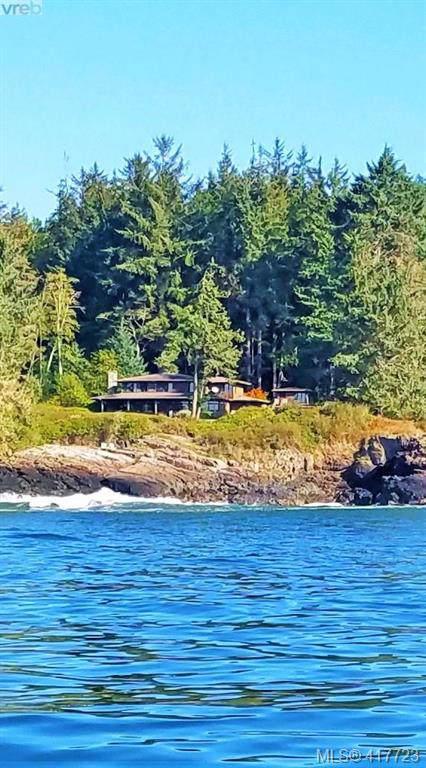 2892 Fishboat Bay Rd, Sooke, BC V9Z 1G9 (MLS #417723) :: Day Team Realty