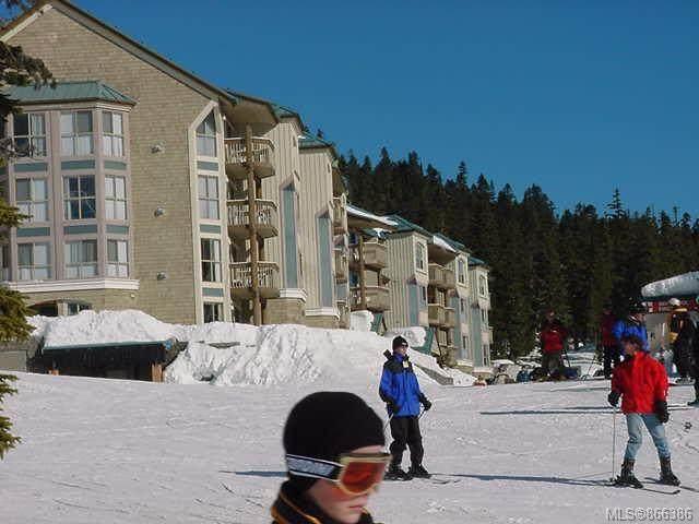 1290 Alpine Rd #213, Courtenay, BC V9J 1L0 (MLS #866386) :: Call Victoria Home