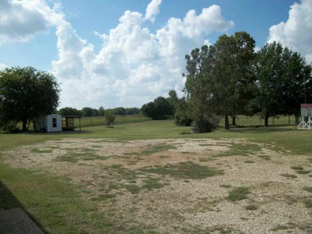 1725 W Spring Valley Rd, Hewitt, TX 76643 (MLS #154025) :: Magnolia Realty