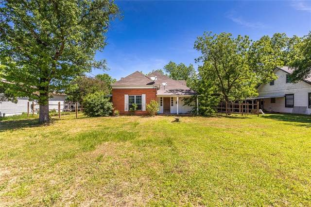 311 E Sabine Street, Groesbeck, TX 76642 (MLS #195235) :: A.G. Real Estate & Associates