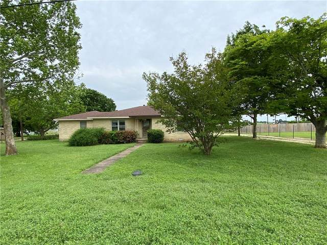 10087 Cedar Rock Parkway, Crawford, TX 76638 (MLS #195328) :: A.G. Real Estate & Associates
