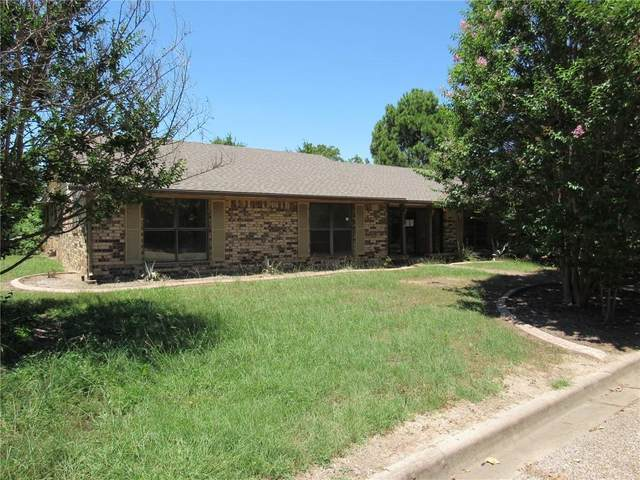 1903 White Street, Clifton, TX 76634 (MLS #196079) :: A.G. Real Estate & Associates