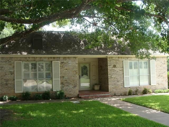 301 N M Avenue, Clifton, TX 76634 (MLS #196237) :: A.G. Real Estate & Associates