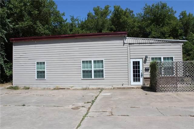 705 W 5th Street, Clifton, TX 76634 (MLS #197120) :: A.G. Real Estate & Associates