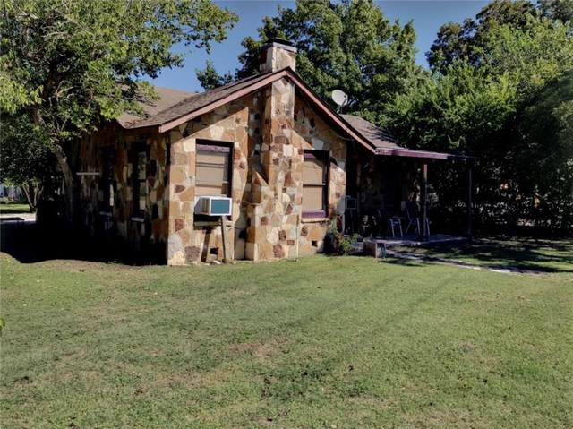 1121 Bois D'arc Street, Lockhart, TX 78644 (MLS #197974) :: A.G. Real Estate & Associates