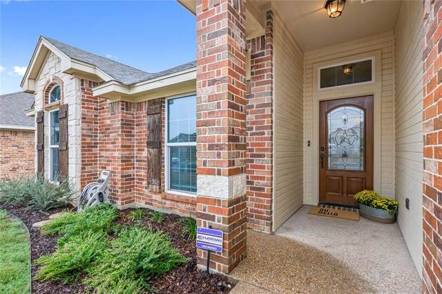 10016 Adobe Court, Waco, TX 76712 (#198360) :: Homes By Lainie Real Estate Group