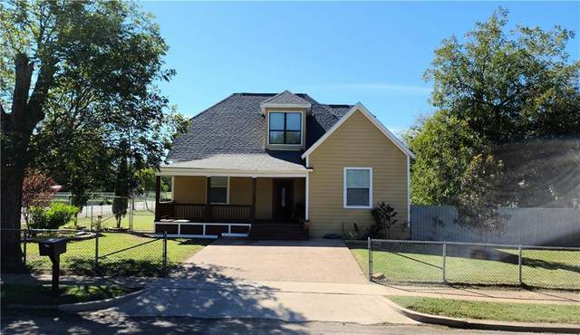 1502 N 11th Street, Waco, TX 76707 (#198391) :: Zina & Co. Real Estate