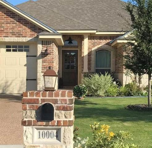 10004 Houston Drive, Waco, TX 76712 (#198804) :: Homes By Lainie Real Estate Group