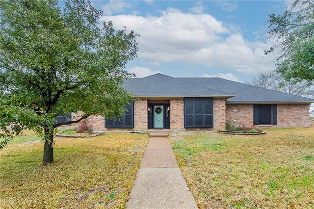 1241 Woodland West Drive, Waco, TX 76712 (#199402) :: Zina & Co. Real Estate