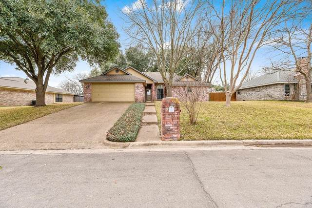 240 Cross Country Drive, Hewitt, TX 76643 (MLS #199701) :: A.G. Real Estate & Associates