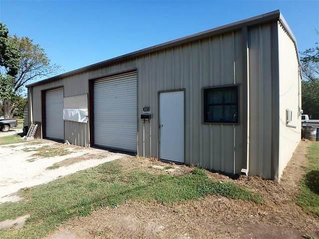 101 E Trinity Street, Groesbeck, TX 76642 (MLS #199716) :: NextHome Our Town