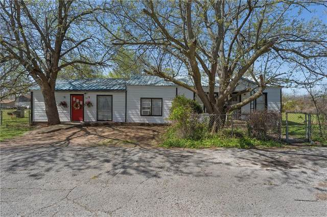 506 S Brazos Street, Whitney, TX 76692 (#200381) :: Zina & Co. Real Estate
