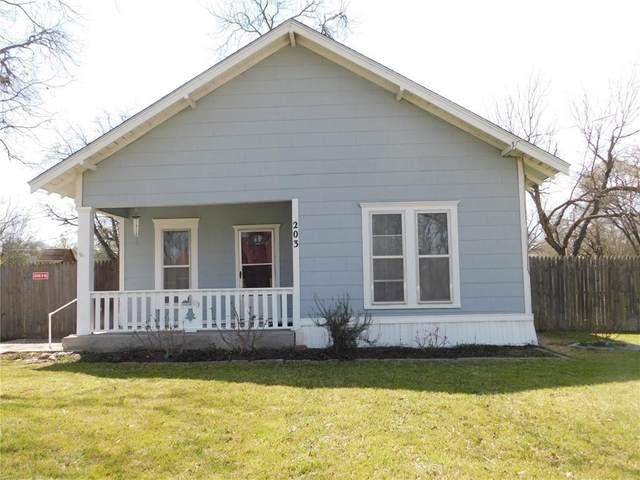 203 S Ave K, Clifton, TX 76634 (MLS #200429) :: A.G. Real Estate & Associates