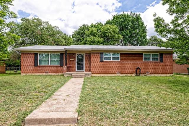 2131 Meadow Road, Waco, TX 76710 (MLS #201196) :: A.G. Real Estate & Associates