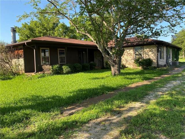 3961 S Old Robinson Road, Lorena, TX 76655 (MLS #201695) :: A.G. Real Estate & Associates