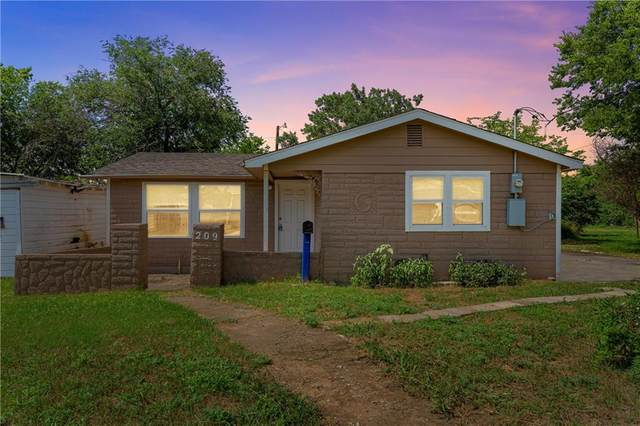 209 Abney Avenue, Hillsboro, TX 76645 (MLS #201807) :: A.G. Real Estate & Associates
