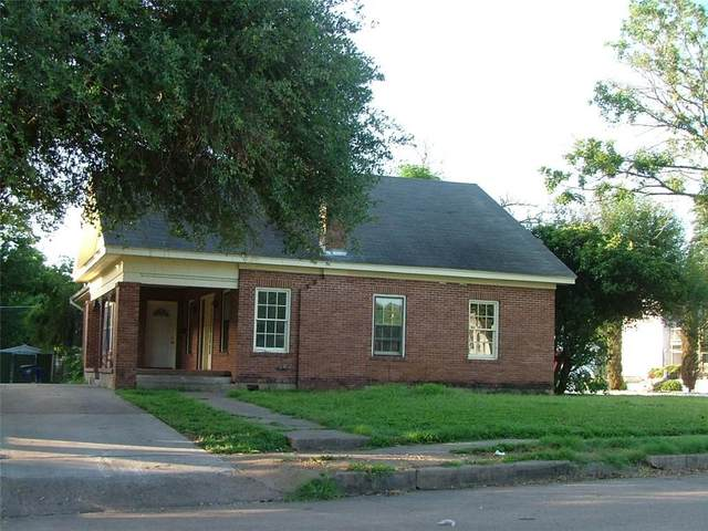 2130 Morrow Avenue, Waco, TX 76707 (#202381) :: Homes By Lainie Real Estate Group