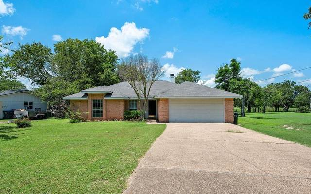4709 Country Aire Drive, Waco, TX 76708 (#202398) :: Homes By Lainie Real Estate Group