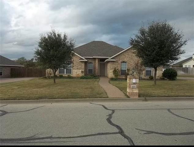 424 W Wall Street, Hewitt, TX 76643 (#202442) :: Zina & Co. Real Estate