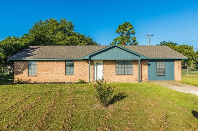 136 J L Brazzil Loop, Waco, TX 76705 (MLS #203211) :: A.G. Real Estate & Associates