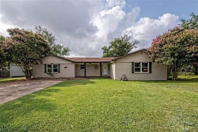 141 Sunnydale Drive, Hewitt, TX 76643 (MLS #202707) :: A.G. Real Estate & Associates