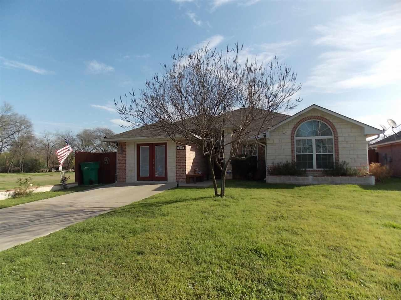 315 n bermuda waco tx 76705 mls 169057 magnolia realty for Home builders in waco texas area