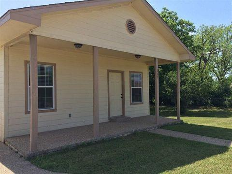 215 Cleveland Street, Mcgregor, TX 76657 (MLS #190910) :: A.G. Real Estate & Associates