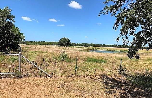 1735 E Rocket Road, Lorena, TX 76655 (MLS #191279) :: A.G. Real Estate & Associates