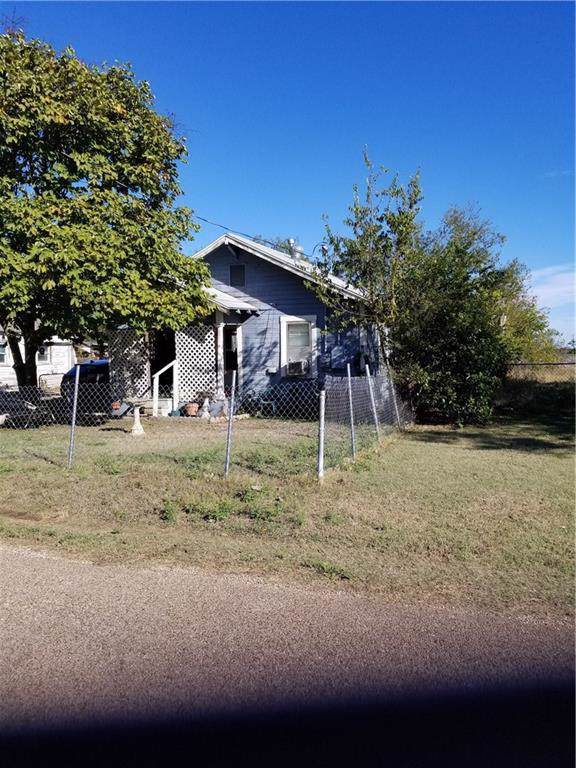 105 Baird Street #107, Oglesby, TX 76561 (#192523) :: Zina & Co. Real Estate