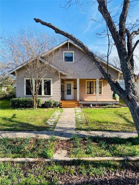 210 N Smyth Street, Mart, TX 76664 (#193499) :: Zina & Co. Real Estate