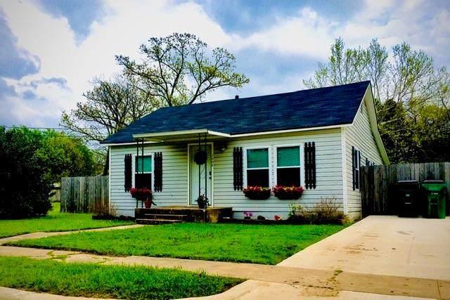 1006 W 2nd Street, Mcgregor, TX 76657 (MLS #194568) :: A.G. Real Estate & Associates