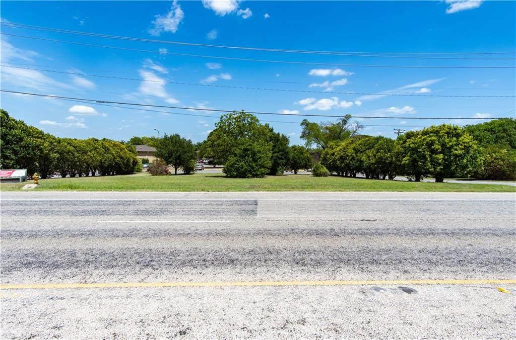 2814 Robinson Drive - Photo 1