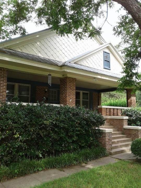 501 S Adams Street, Mcgregor, TX 76657 (MLS #197441) :: A.G. Real Estate & Associates