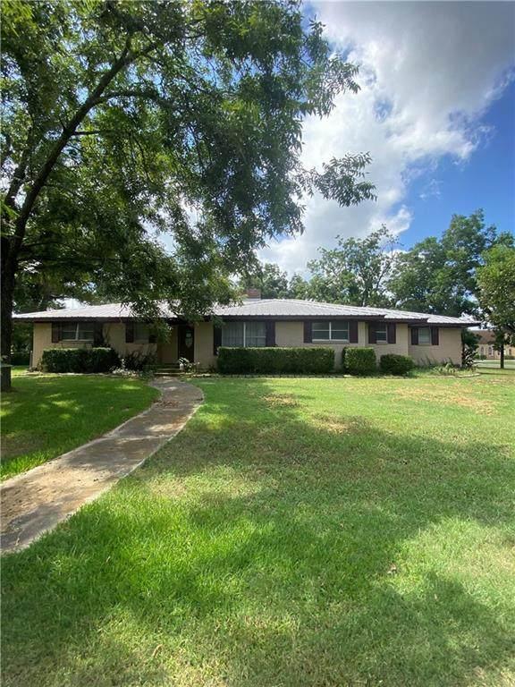 318 W Jack Street, Bremond, TX 76629 (MLS #199662) :: NextHome Our Town