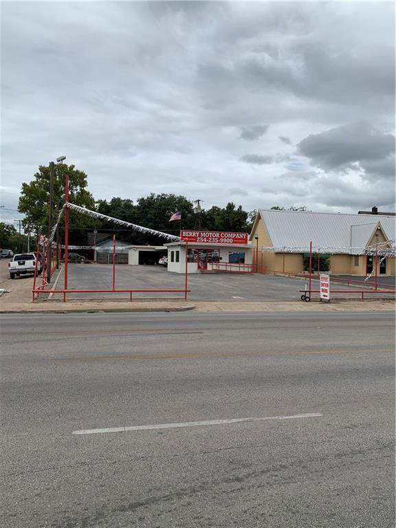 2629 Franklin Avenue - Photo 1