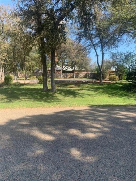 117 Lost Oaks Drive, Waco, TX 76705 (MLS #204392) :: A.G. Real Estate & Associates