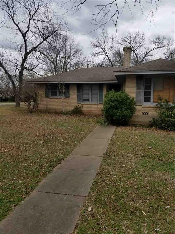 812 N College, West, TX 76691 (MLS #173924) :: Magnolia Realty