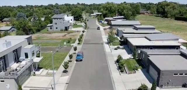 2135 Paramount Street, Walla Walla, WA 99362 (MLS #120424) :: Community Real Estate Group