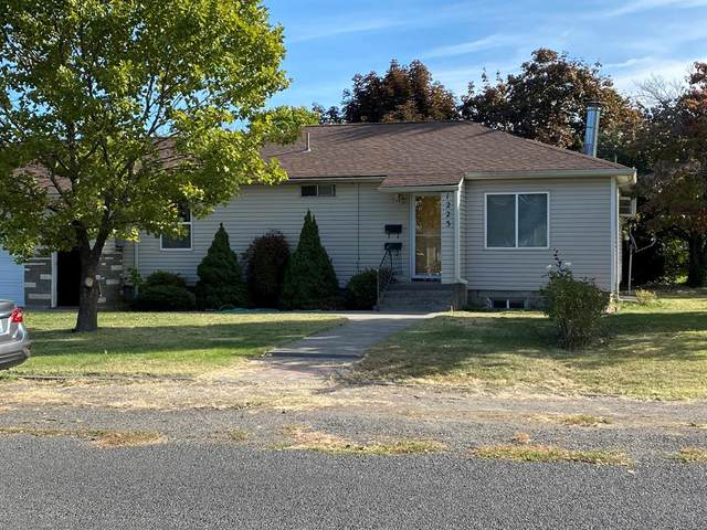 1223 SE Central Avenue, College Place, WA 99324 (MLS #122621) :: Community Real Estate Group
