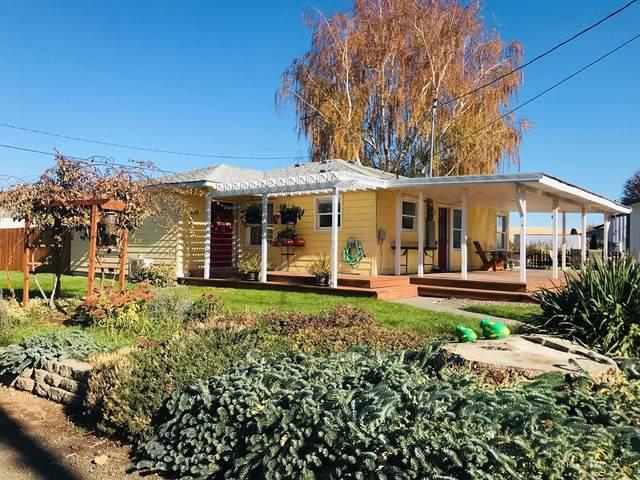 215 Murphy Street, Waitsburg, WA 99361 (MLS #122722) :: Community Real Estate Group
