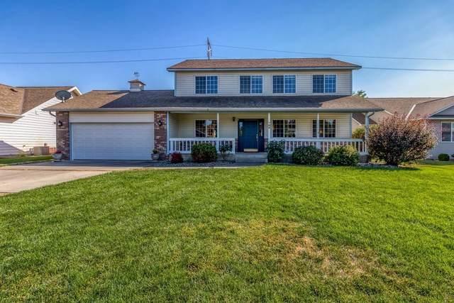 704 SE Mockingbird Drive, College Place, WA 99324 (MLS #121473) :: Community Real Estate Group