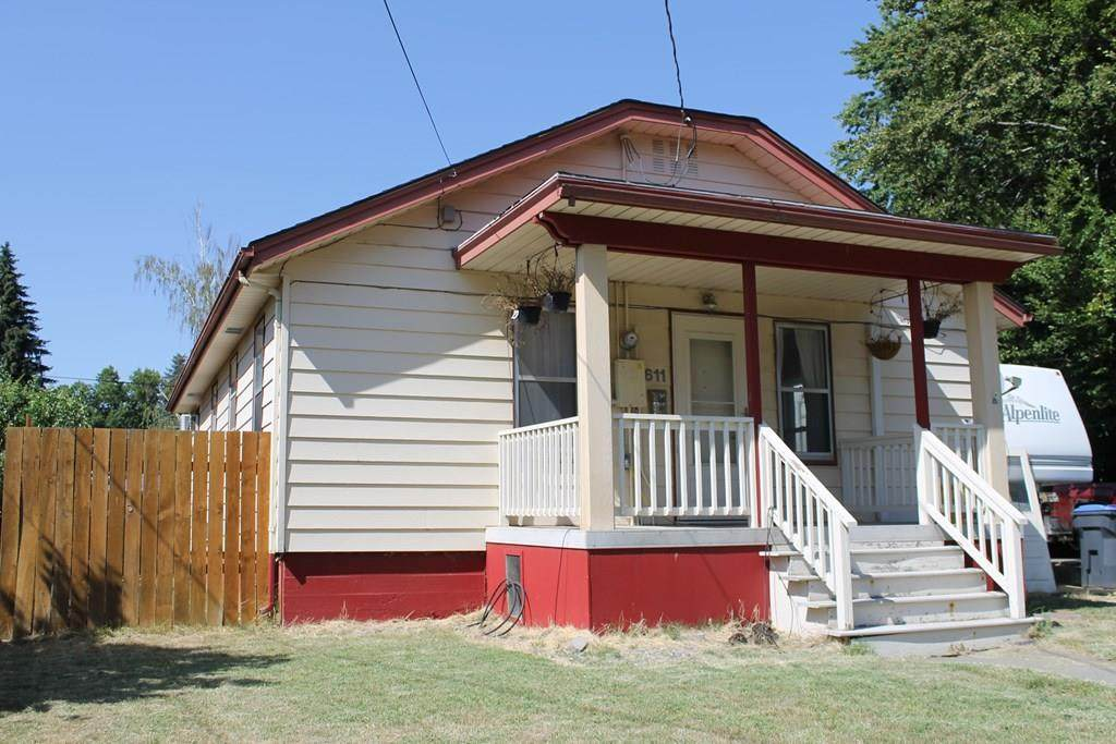 611 Maple Street - Photo 1