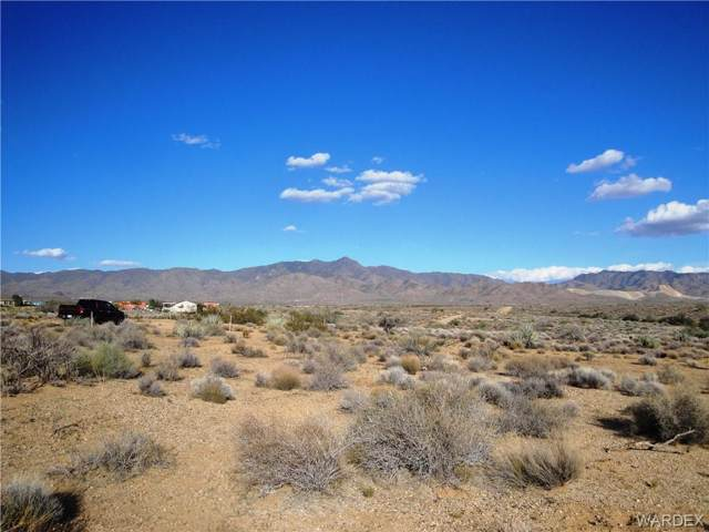 Lot 25 W Sleigh Street, Golden Valley, AZ 86413 (MLS #937438) :: The Lander Team