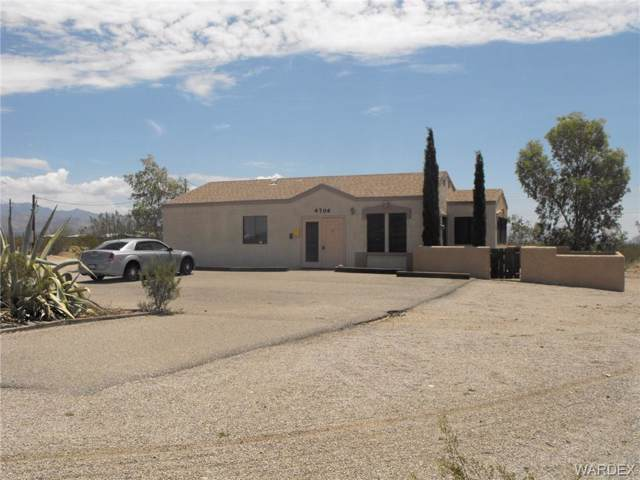 4740 W Oatman Highway W, Golden Valley, AZ 86413 (MLS #950607) :: The Lander Team